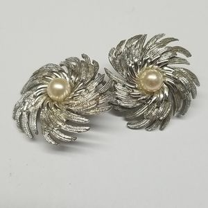 Vintage Sarah Coventry Clip-on Earrings